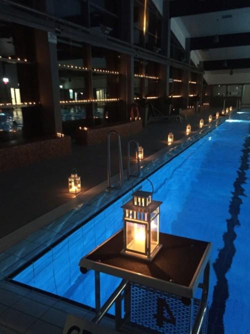 Kerzenschwimmen im Hallenbad Barßel.
