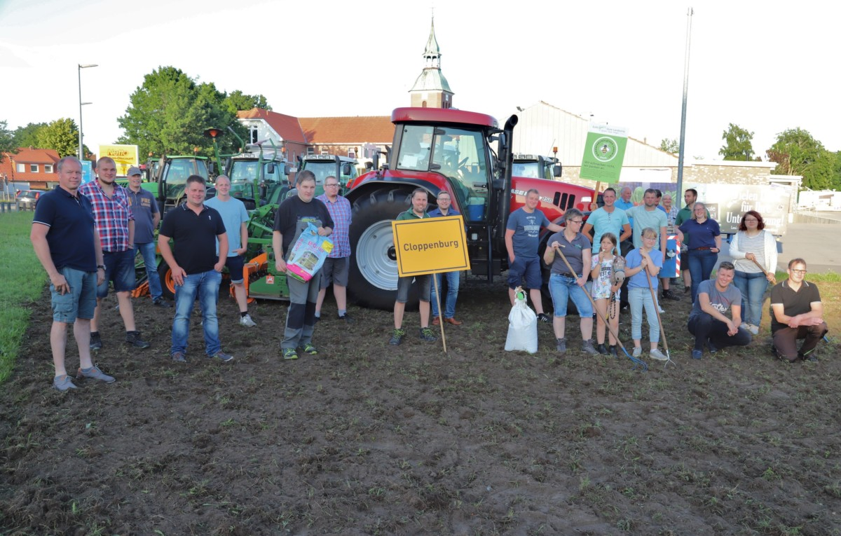 Die Barßeler Landwirte hoffen, dass bald auf dieser Fläche am Ortseingang von Barßel etwas erblüht. Bild: C Passmann